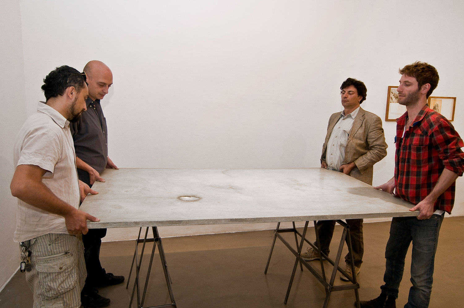 Alessandro Piangiamore | Around an empty shell, 2011, performance