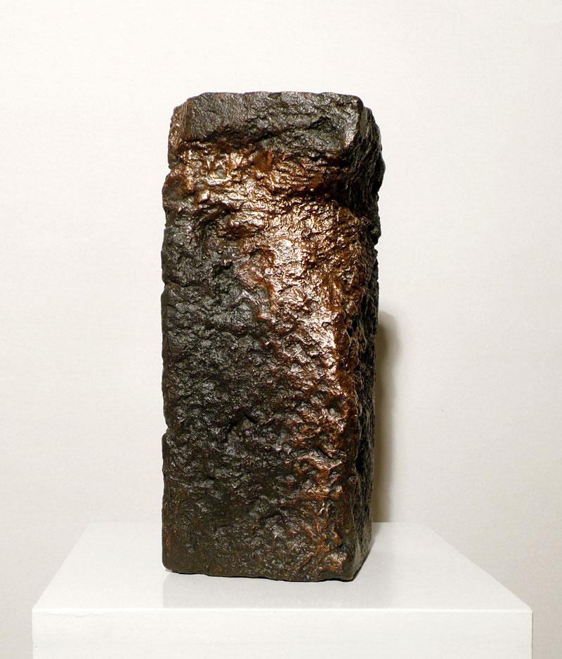 Alessandro Piangiamore | Tutto il vento che c'è (Loo), 2010-2011, cast bronze, cm 13x13×30.  Edition of 2 + 1 a.p.